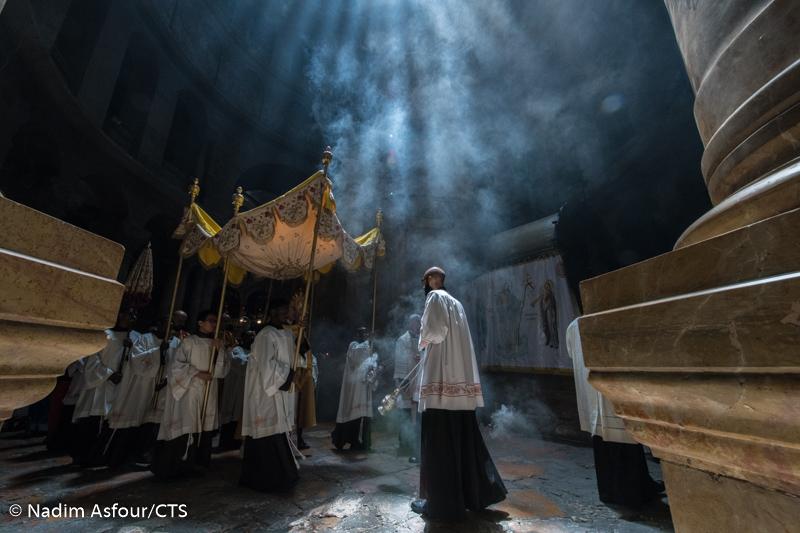 Read more about the article Jerozolima: Uroczystość Bożego Ciała w Bazylice Grobu Pańskiego