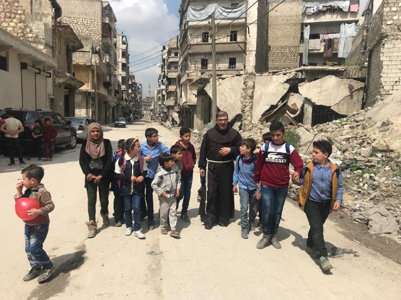 """Read more about the article """"Tożsamość i przyszłość"""" dla dzieci z Aleppo"""